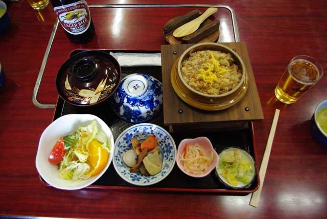 軍鶏釜飯定食