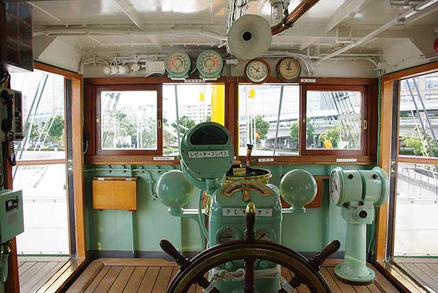 日本丸操舵室