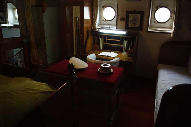 日本丸船長室