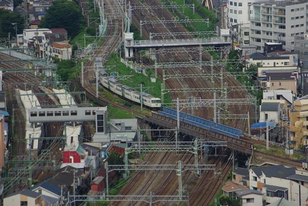 子安駅付近
