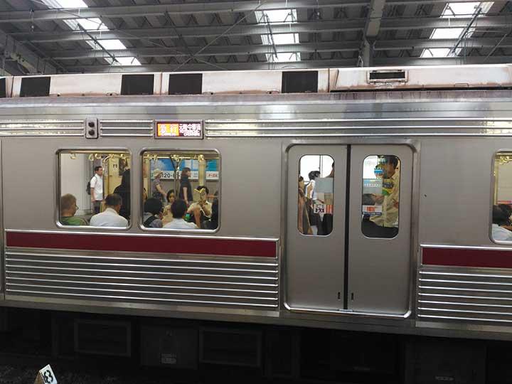 東武9000系、綱島駅